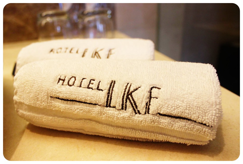 LKF hotel Hong Kong towels