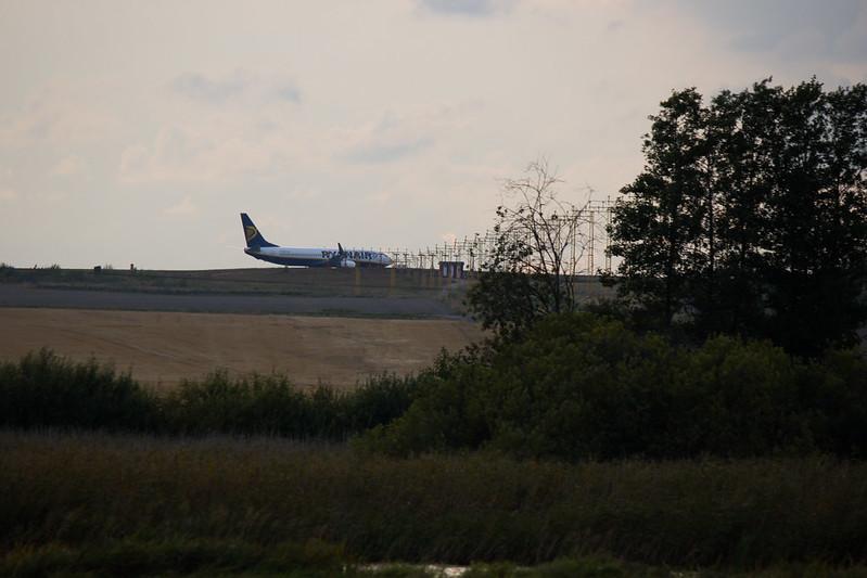 Take off or landing (208 av 365 - Vågrät)