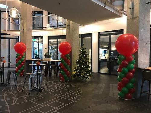 Ballonpilaar Breed Rond Kerstviering Duurzaam Gebouw Utrecht
