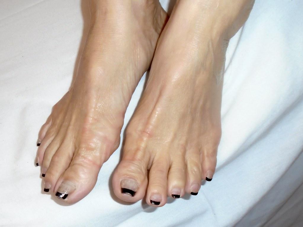 Mature toes pics