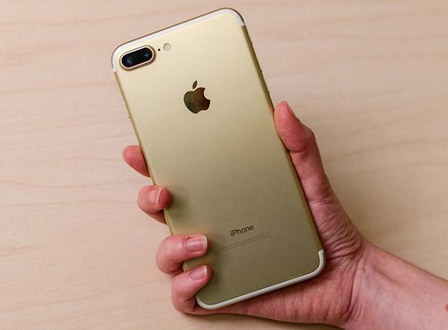 Apple khoe khả năng chụp ảnh xóa phông trên iPhone 7 Plus