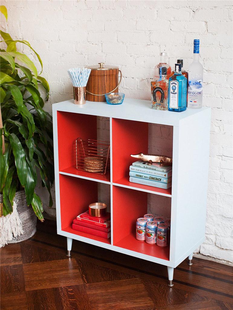 adaymag-diy-painted-bookshelf-06