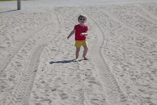 Manitou Beach High Park yakın görüntü. toronto beach sunglasses sand isabelle centreisland torontoislands centreislandbeach