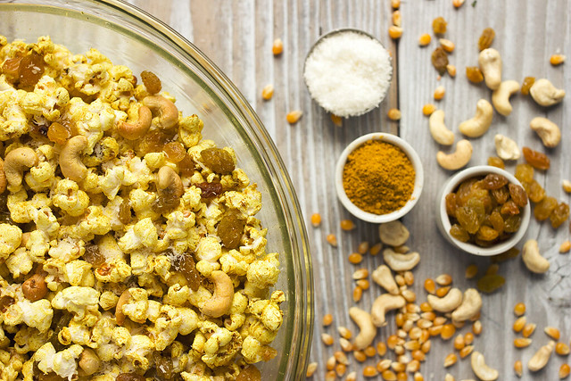 Curry Popcorn Snack Mix