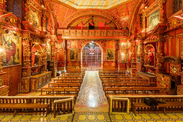 Iglesia_de_Santo_Domingo,_Quito,_Ecuador,_2015-07-22,_DD_211-213_HDR
