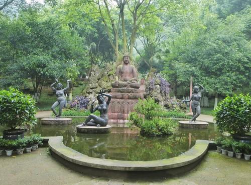 CH-Leshan-Bouddha oriental (10)