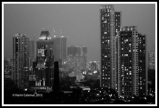 Dusk approaches - mumbai bw