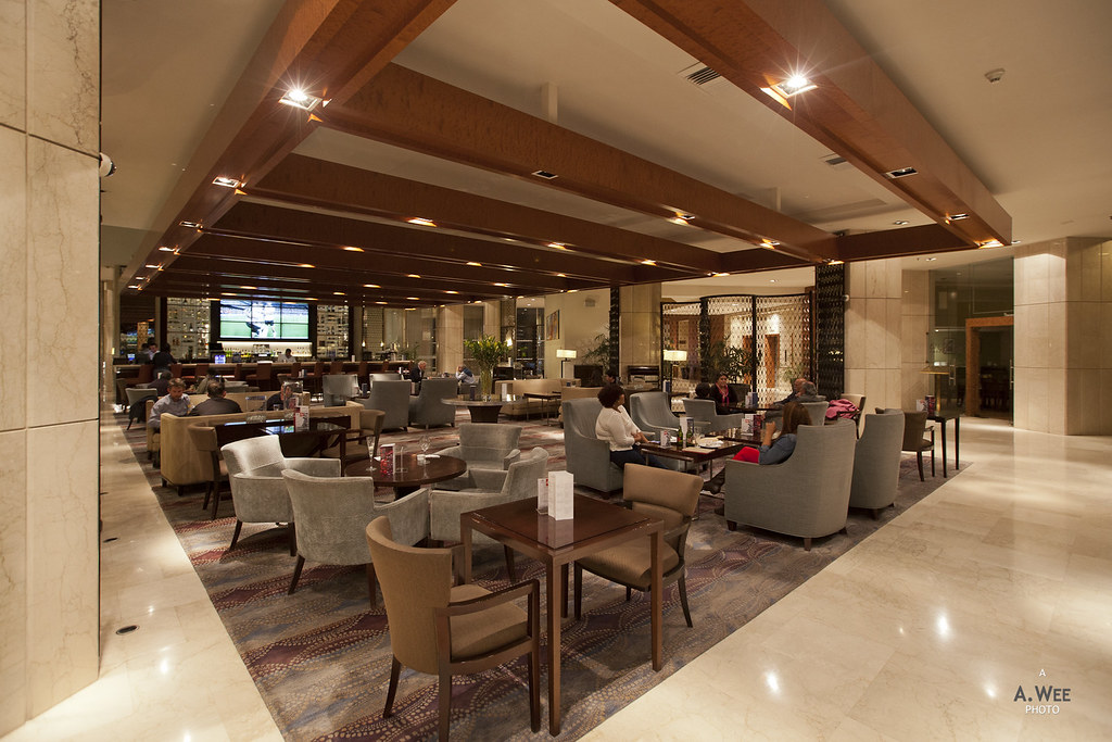 Lobby lounge and bar