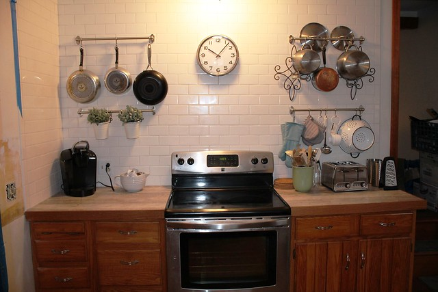 Fully equipped kitchen;