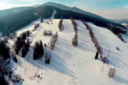 """Miroslav - kde děti lyžují se """"šmouly"""""""