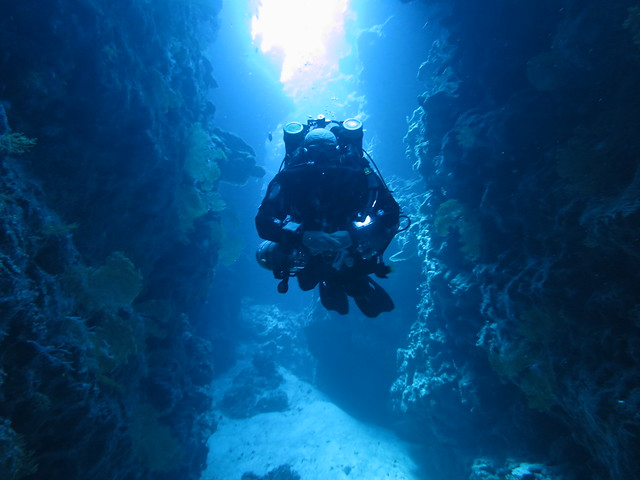 Sun, 06/15/2014 - 09:19 - Technical diving with Chill-Tec at 60 metres in Thomas Canyon