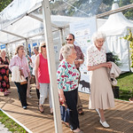 Enjoying the wait | Queuing for your next Book Festival event's not so bad when the sun's out  © Alan McCredie