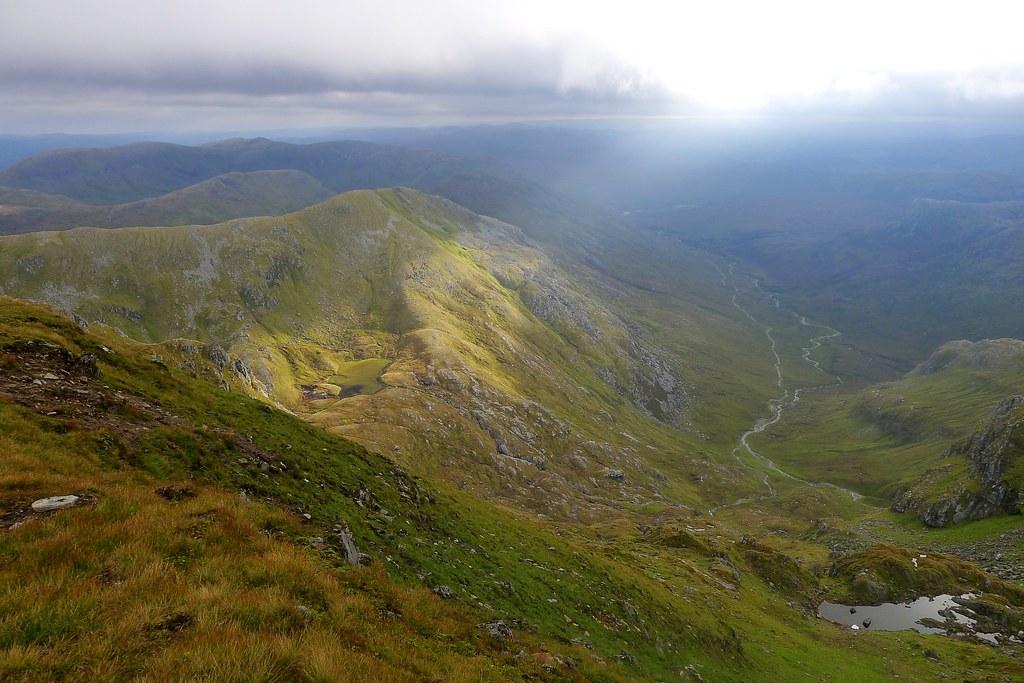 Light on Lochan Uaine
