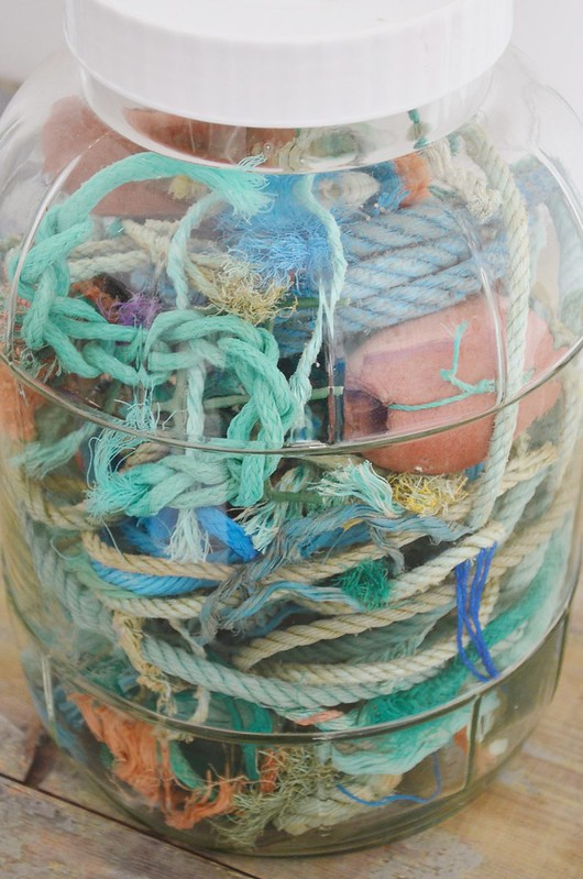 ropes in a jar