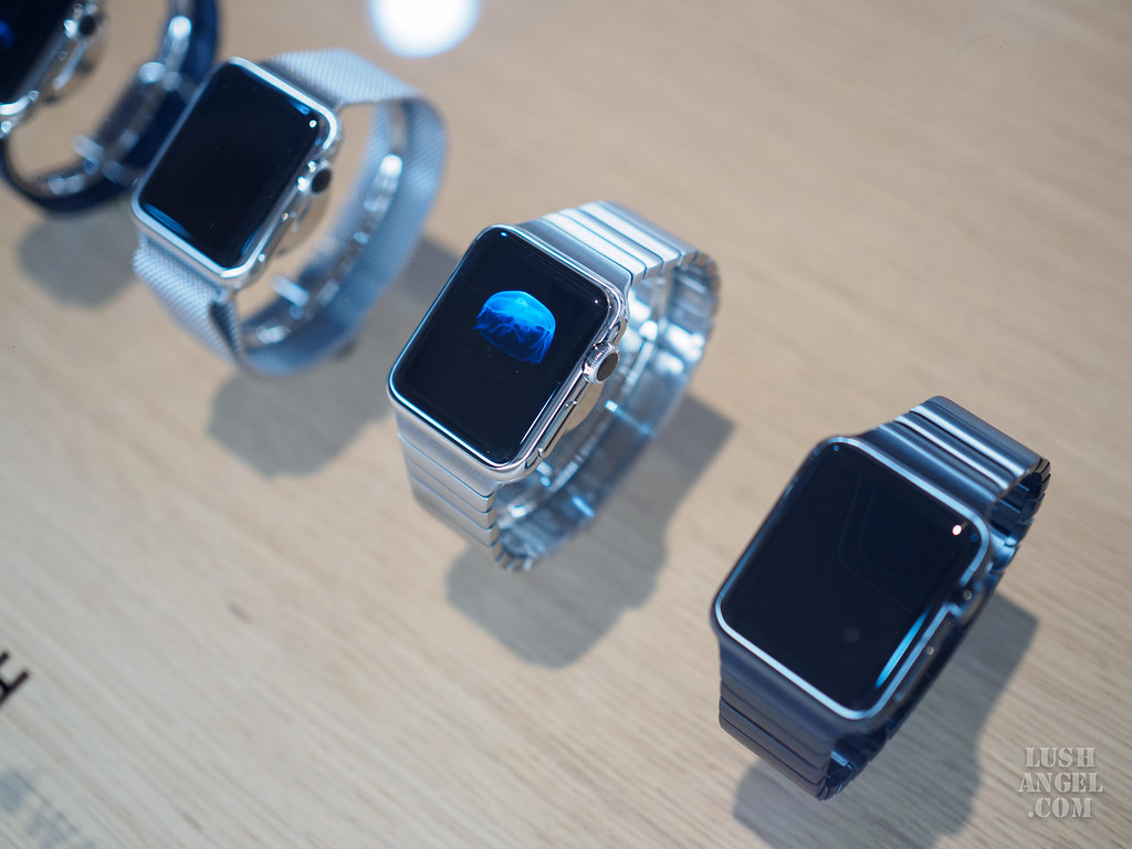 apple-watch-steel-bracelet