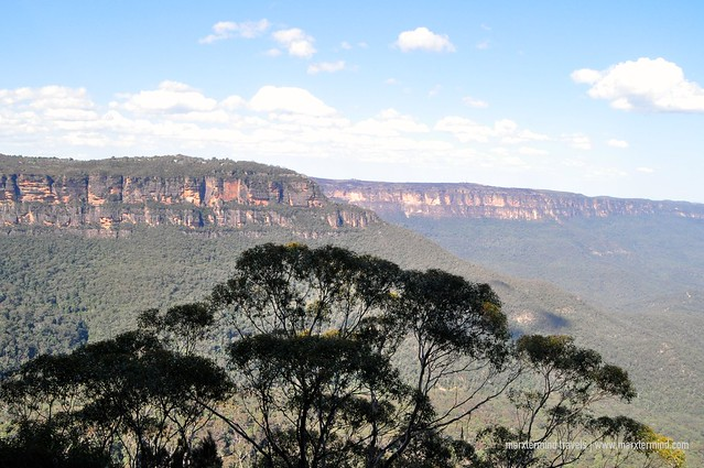 Magnificent View of Blue Mountains from Honeymoon Bridge