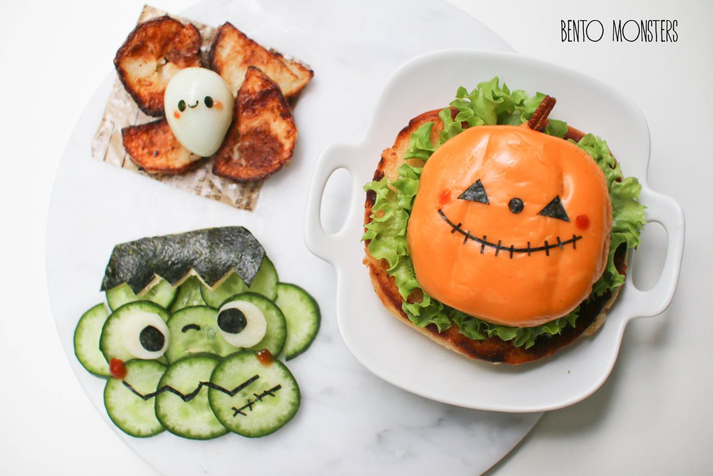 Halloween Soba & Burger | Bento Monsters