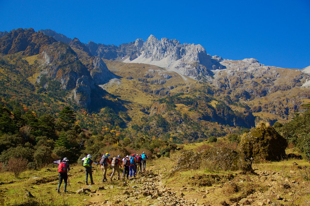 Jade Dragon Snow Mountain trekking