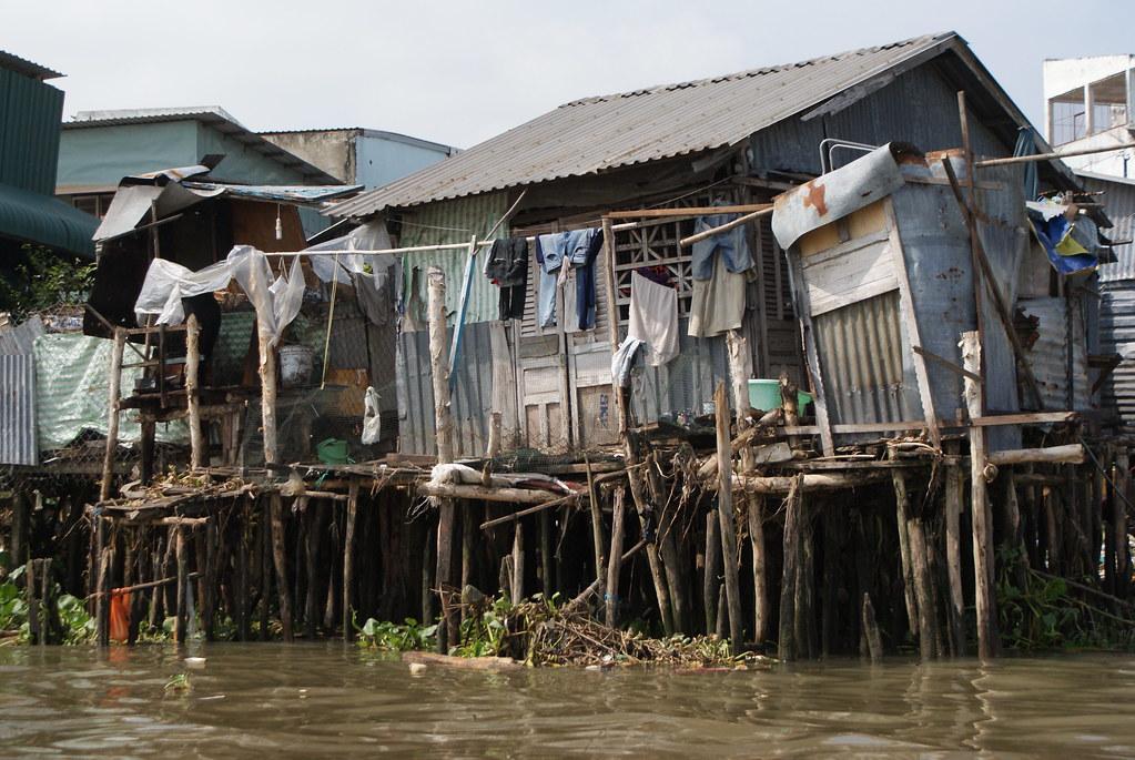 On imagine avec effroi les conséquences d'une montée des eaux pour certaines constructions. Pour toutes les constructions.