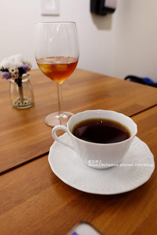 32401557556 6bee5c4e5e c - Supple coffee-正妹姐妹咖啡館.簡單舒服空間.甜點餅乾咖啡茶品