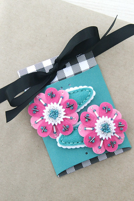 Barrettes with Petal Stich Dies