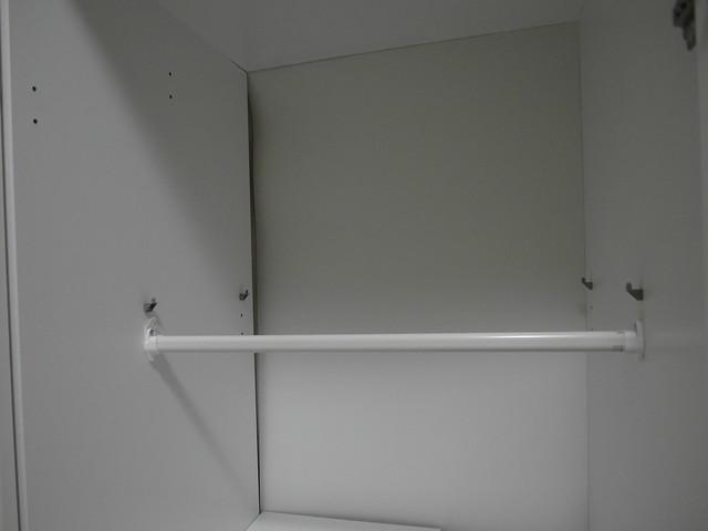 在DOMBÅS裡裝上STUVA GRUNDLIG吊桿,安裝完成!