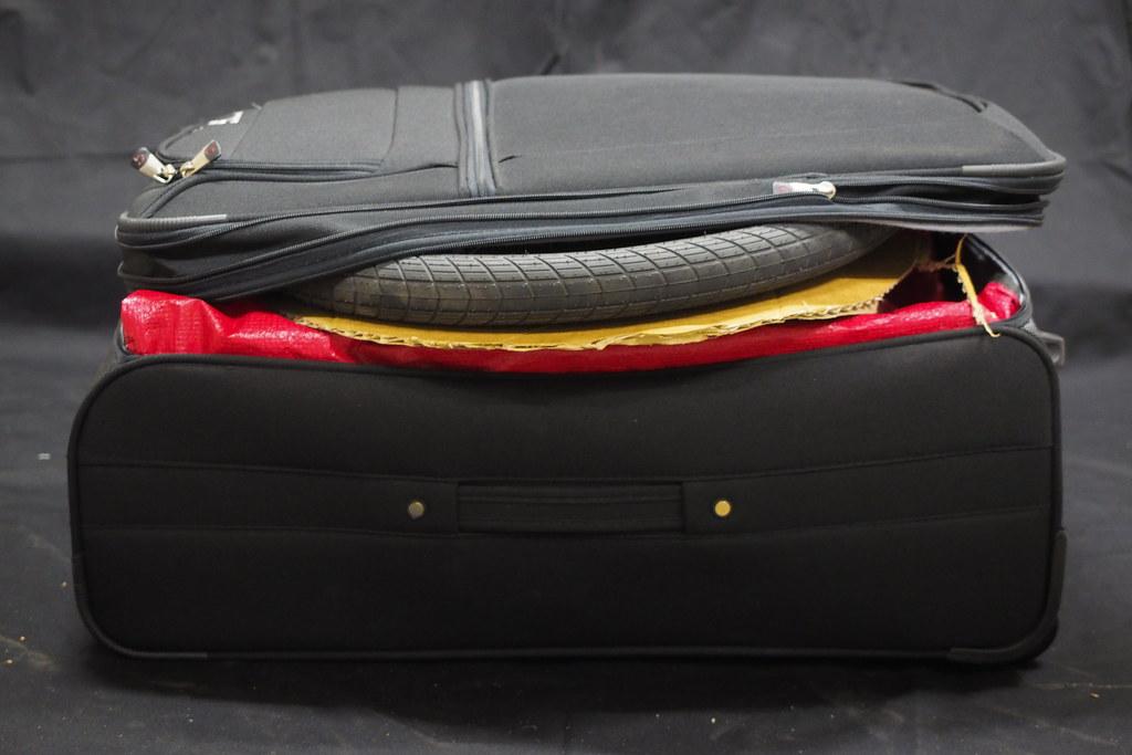 Tern Verge S27h in a suitcase