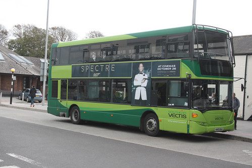 Go South Coast (Southern Vectis) 1152 HW09BAA