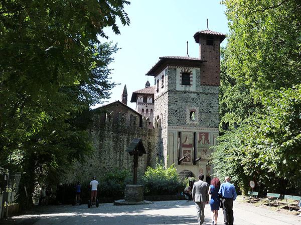 entrée du village médiéval