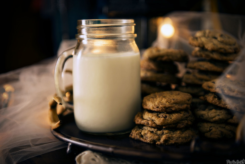 Chocolate Chip Granola Cookie Recipe | Passthesushi.com