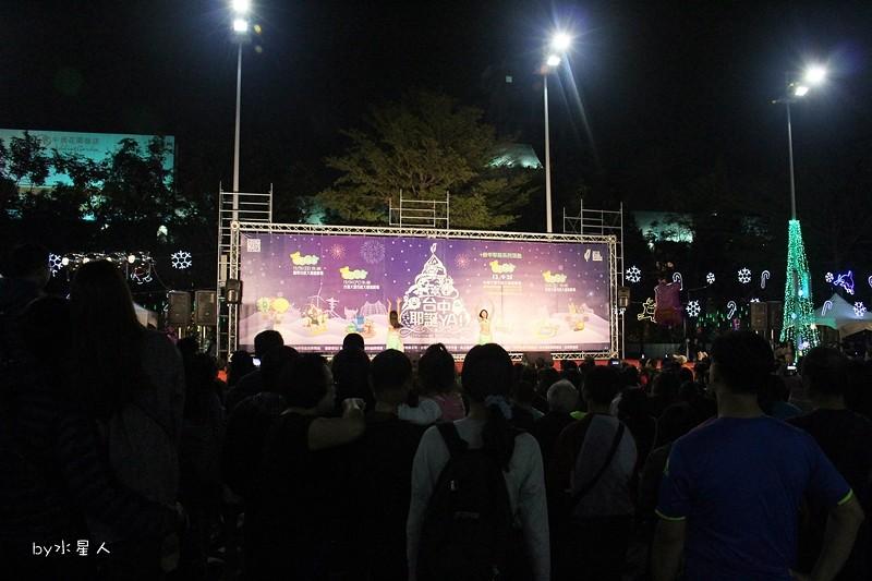 30779820143 278cc42a55 b - 2016台中耶誕YA!耶誕嘉年華,市政廣場耶誕節系列活動,讓你白天與夜景一次看個夠