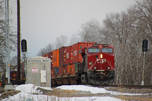 CP 8948 is the west end power on 198 meeting 281 at Wyocena