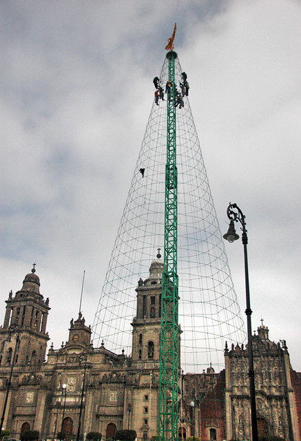 Setting up a grand Christmas tree of lights in Mexico City's zocalo