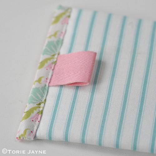 Lace Zip Pretty Pencil Case tutorial 15