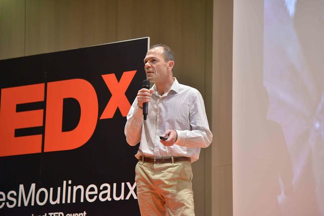 2016-11-23 - TEDxIssy-01 - Speakers (18h59m27) - Emmanuel MOUCLIER
