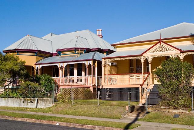 Old queenslander house 03 flickr photo sharing for Classic queenslander house