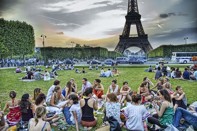 沒簽證擠不進矽谷的開發者,法國全都要了