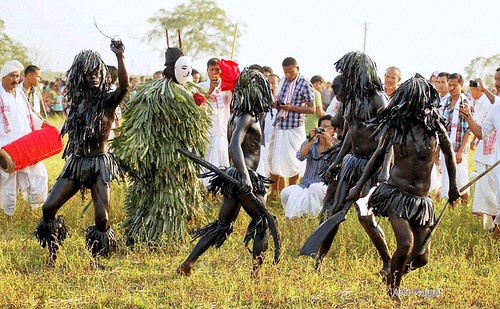 Bhouwa dance by Sonowal Kachari Tribe in praise of Lord Shiva