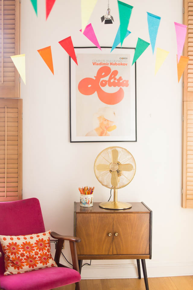 Midcentury 60s retro living room decor inspiration