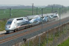 TGV POS 4402, en route pour les 574,8 km/h