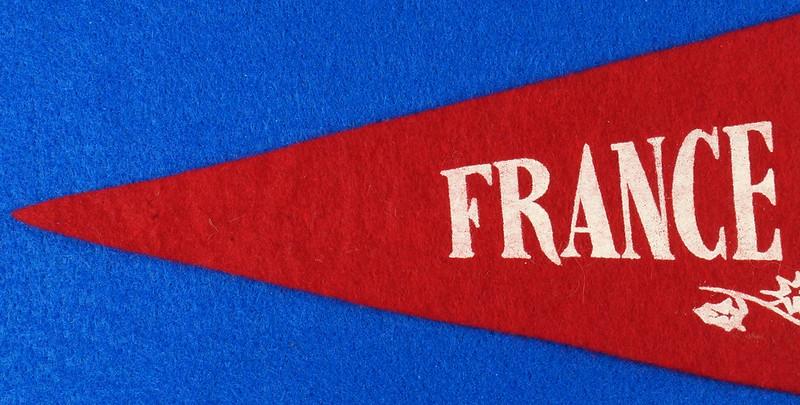 RD15161 Vintage France PARIS Eiffel Tower 2 Sided Red Mini Flag Felt Pennant 11 inch DSC08713