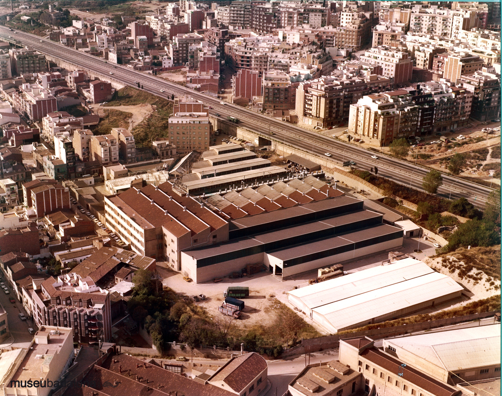 Fàbriques i indústries a Badalona