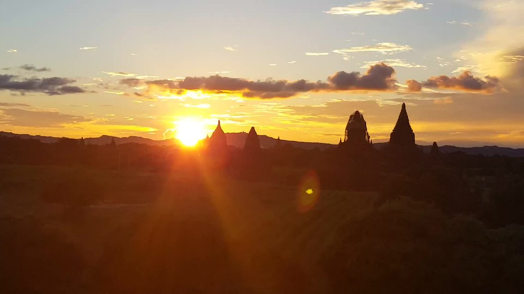 Myanmar Bagan sunset