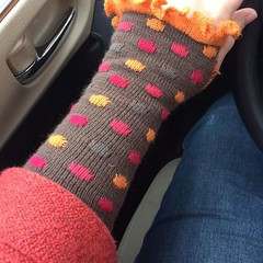 Finally found a bracelet length sweater with which to wear my fabulous polkadot wrist warmers. :heart:️ #thingsishouldknit