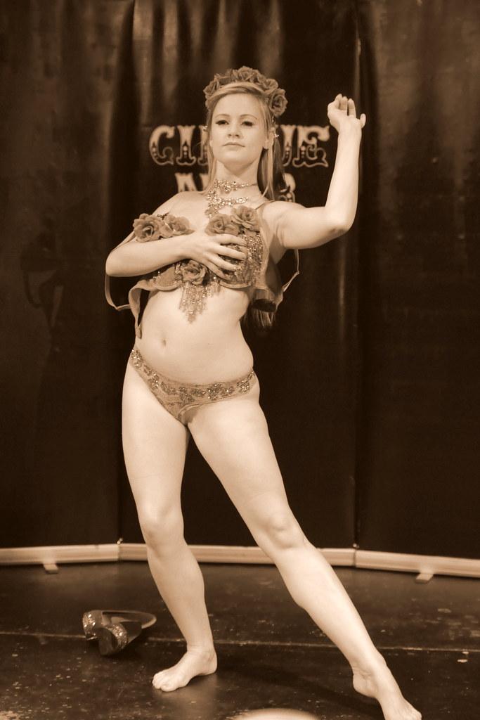 Cirque Noir Trapeze Bar (12)