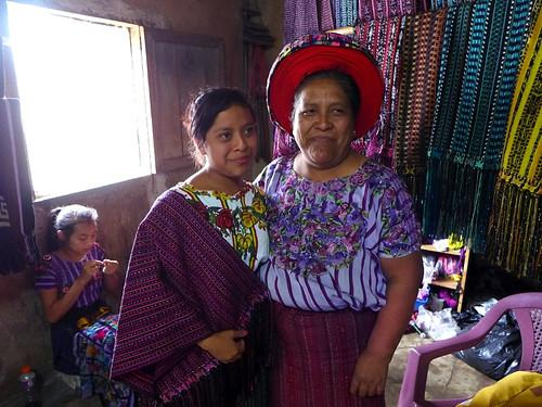 Artesanos en Santiago de Atitlan