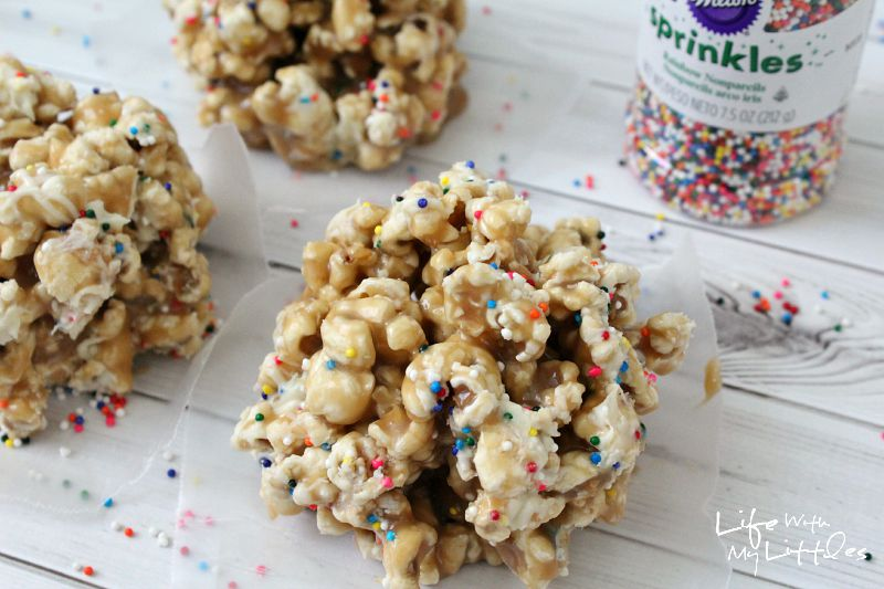 This white chocolate sprinkle caramel popcorn recipe is perfect! The gooeyness of the caramel, the sweetness of the chocolate, and the crunch of the sprinkles! It's so yummy!