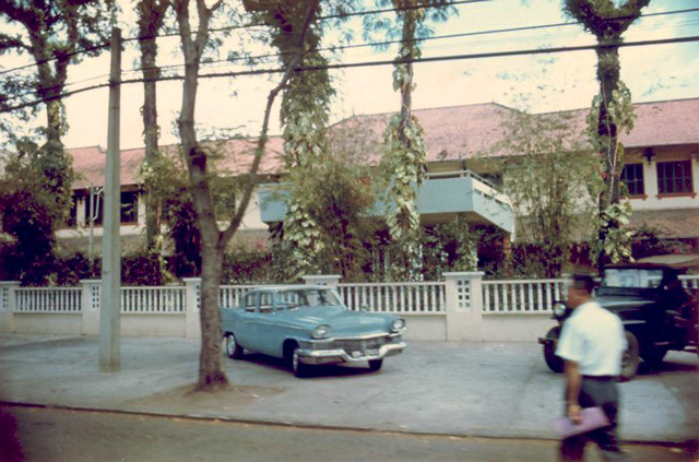 SAIGON 1968-70 - Main entrance of Le Cercle Sportif.