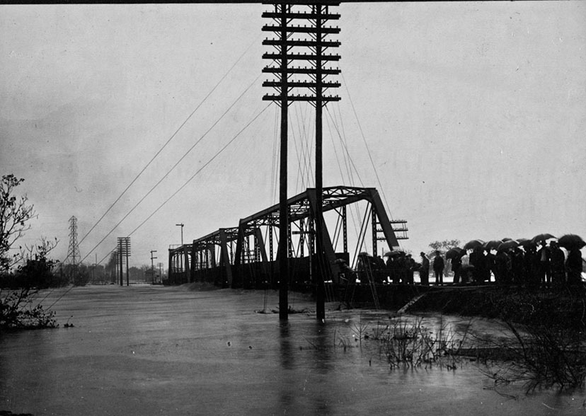 Brazos River flood in Waco, 1913