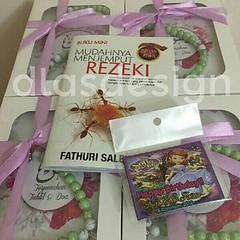 Ready to deliver....set yasin dan #fridgemagnet...  #yasinpersonalized #yasincustome complete set ♥ #yasin ♥ #tasbihcorak ♥ #kotak ♥ #riben  #majlisnikah #majliskahwin #malaysiawedding #karnivalkahwin #majlisbertunang #majlisakikah#majliscukurjambul #door
